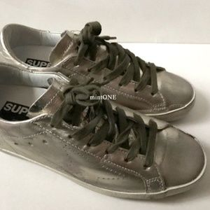 NIB Golden Goose superstar sneaker size 36